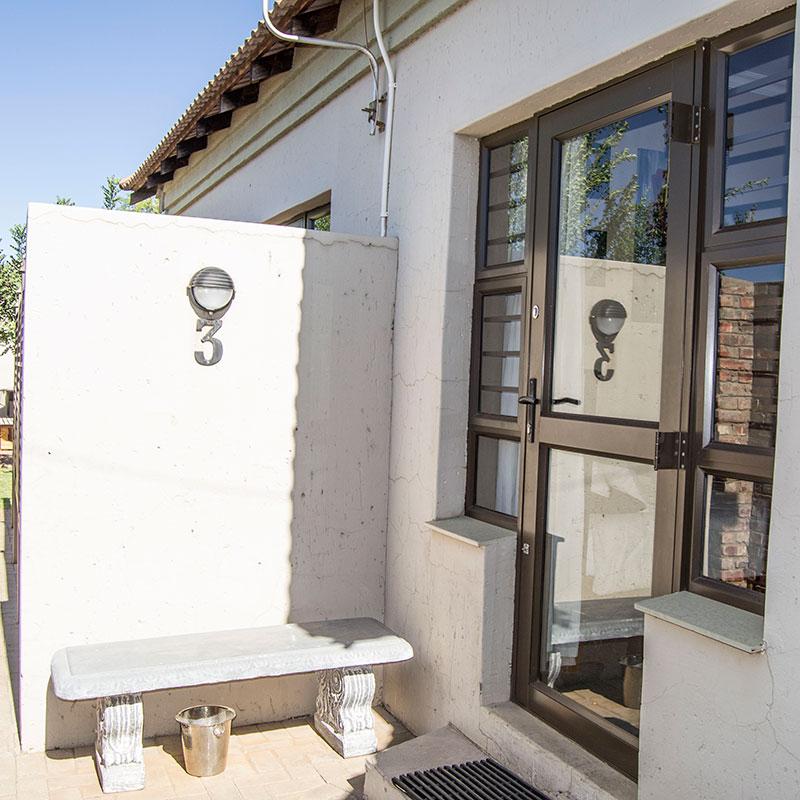 Andela Guesthouse - Outside